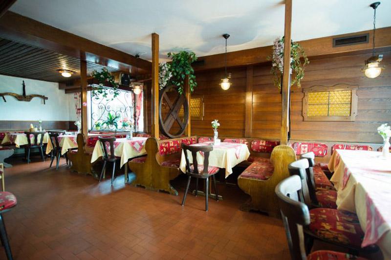 Willkommen im Gasthaus Stossier - eine gemütliche Gaststube in Klagenfurt / Wölfnitz. Traditionell kärntnerisch eingerichtet, mit lieben Personal